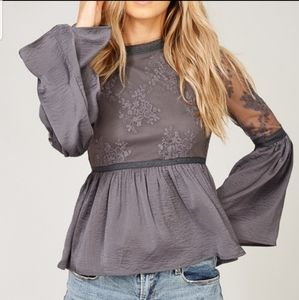 Listicle lace and bell sleeve gray top. Size large